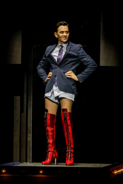 2018_11_30-©-LKV-Kinky-Boots-232516-5D4A5478